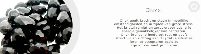 sieraden met edelsteen onyx met uitleg van de spirituele betekenis